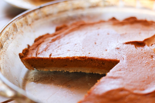 Naturally Sweetened Sweet Potato Pie with Gluten Free Crust #paleo