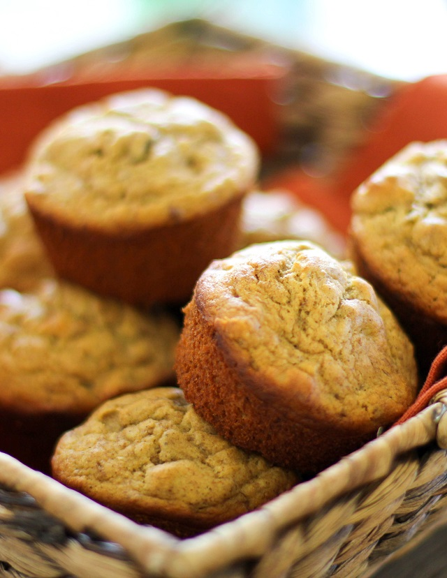 Banana Walnut Muffins | Gluten-Free and Naturally Sweetened. Made with ...