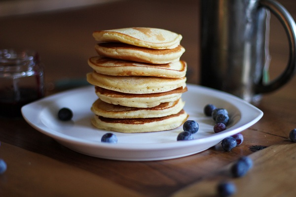 Gluten Free Yogurt Pancakes | https://www.theroastedroot.net