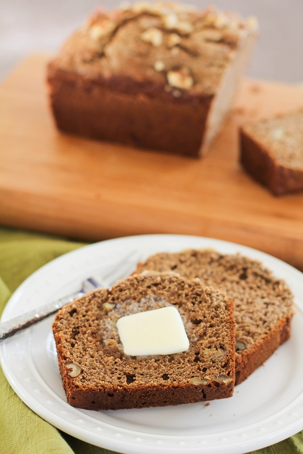 Vegan Banana Bread | https://www.theroastedroot.net