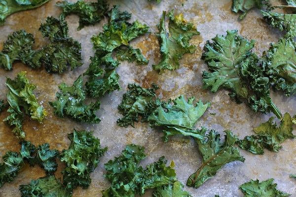 Baked Kale Chips | http://www.theroastedroot.net