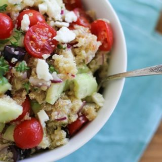 Greek Quinoa Salad | https://www.theroastedroot.net