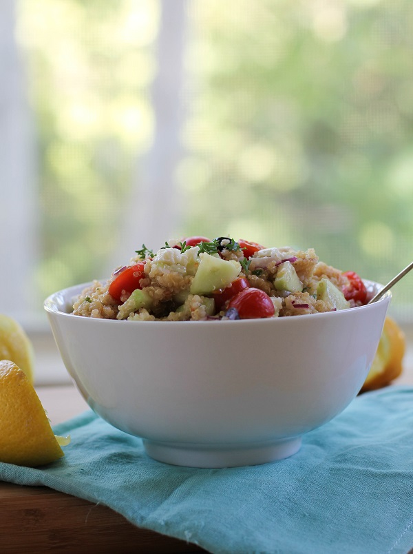 Greek Quinoa Salad | https://www.theroastedroot.net
