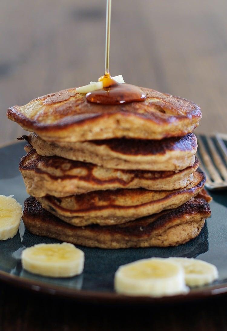Banana Bread Almond Flour Pancakes | http://www.theroastedroot.net #glutenfree #breakfast #healthy