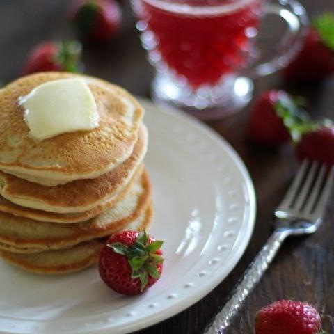 Gluten Free Strawberry Almond Flour Pancakes | https://www.theroastedroot.net