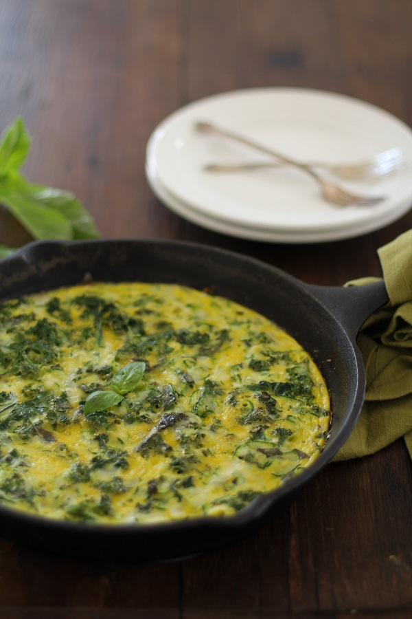 Zucchini Basil and Kale Frittata | https://www.theroastedroot.net