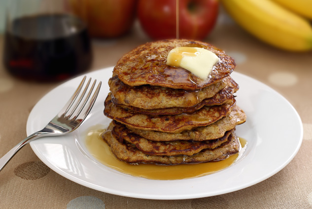 Paleo Apple-Cinnamon Pancakes from Paleo Newbie