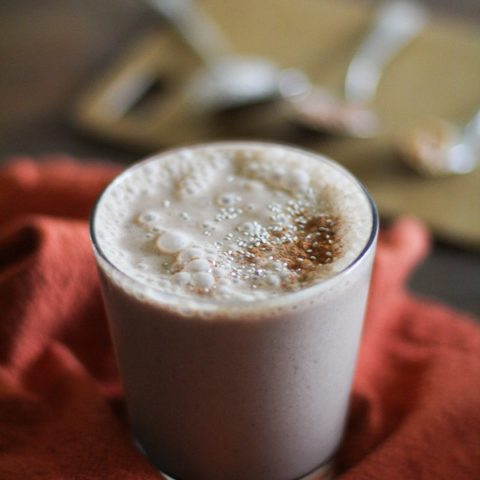 Chocolate Peanut Butter Chia Seed Smoothie | http://www/theroastedroot.net