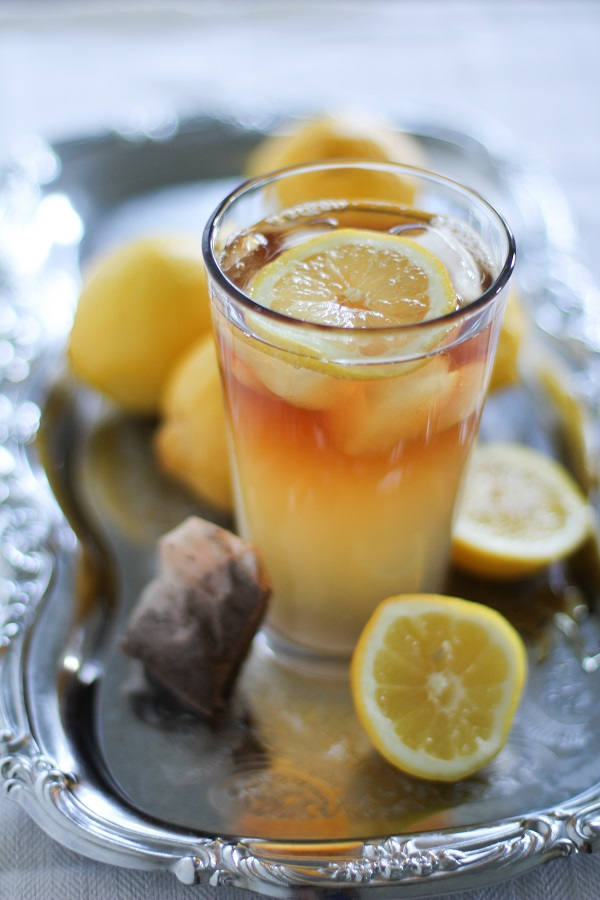 Lacto-fermented Lemonade from Delicious Probiotic Drinks, cookbook by Julia Mueller