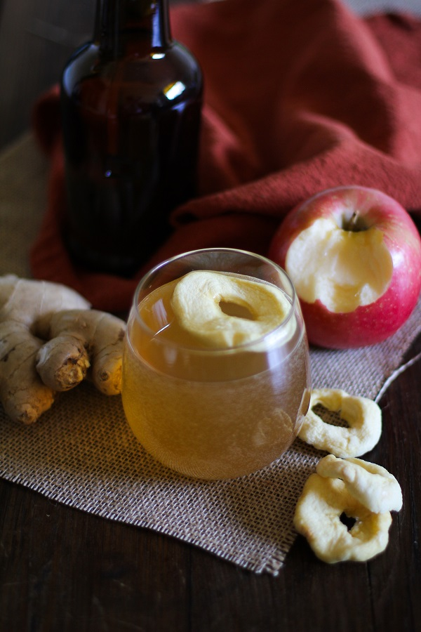 Homemade Apple Ginger Kombucha + 10 Things You Need to Know About Kombucha | www.theroastedroot.net