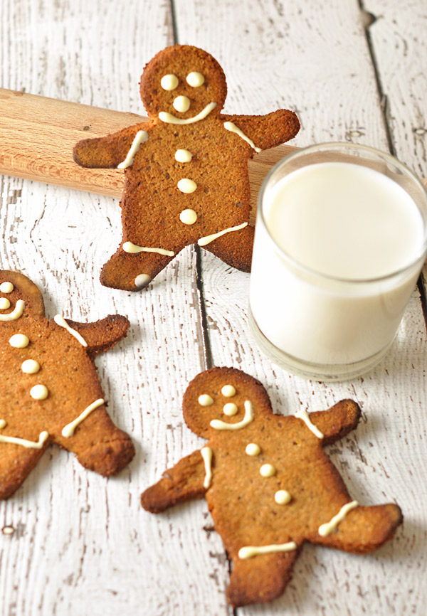 Gluten-free Gingerbread Men from A Touch of Zest #glutenfree + 50 Gluten-free Christmas Cookie Recipes