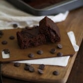 Dark Chocolate Peanut Butter Brownies (gluten free!) | www.theroastedroot.net