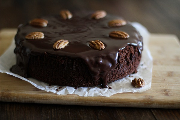 Gluten Free Chocolate Cake with Coconut-Chocolate Ganache