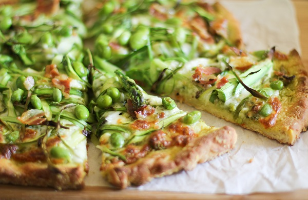 Asparagus and Pancetta Pesto Pizza