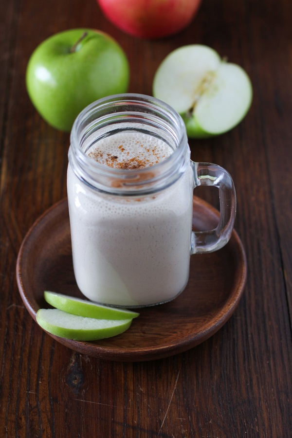 Apple Pie Smoothie with Almond Butter