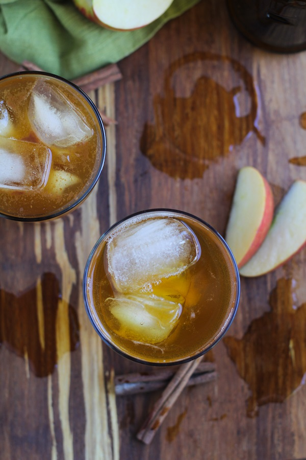 Apple Cider Kombucha - learn how to brew kombucha at home! #probiotics