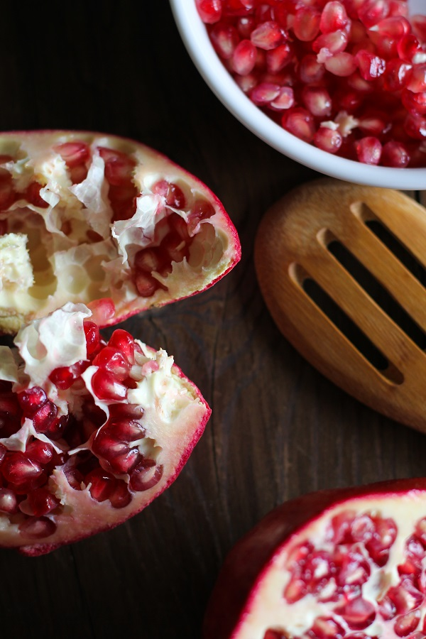 How To De-Seed a Pomegranate (without water!)