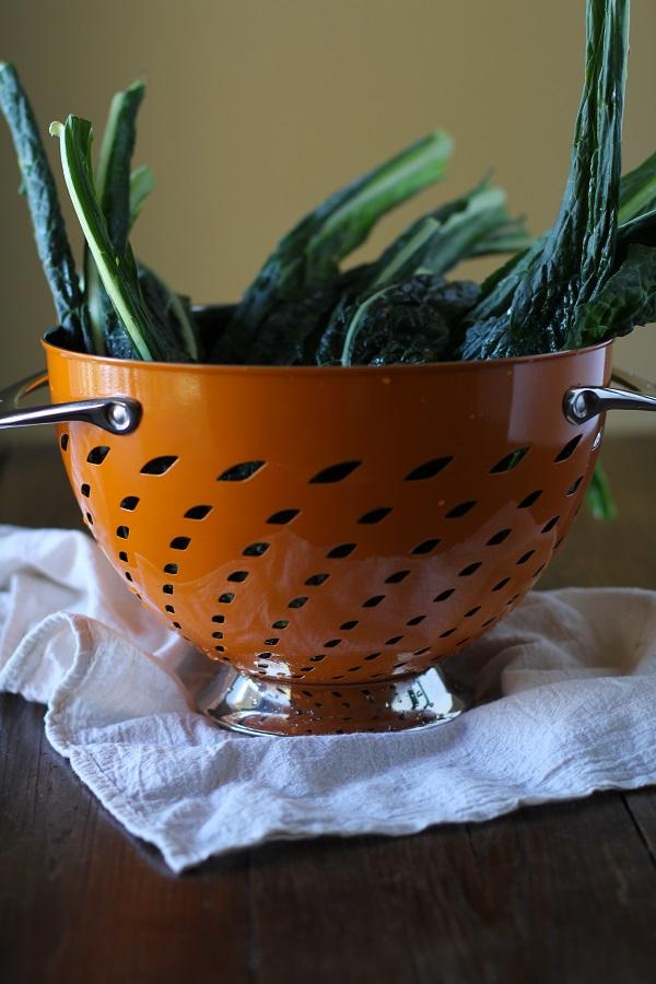 lemony_kale_salad_with_parmesan_crisps_1