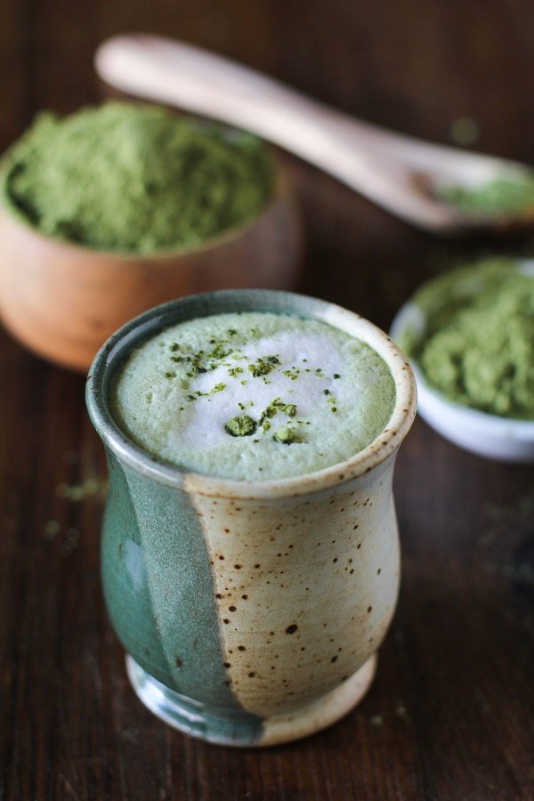 How to make matcha green tea latte with almond milk
