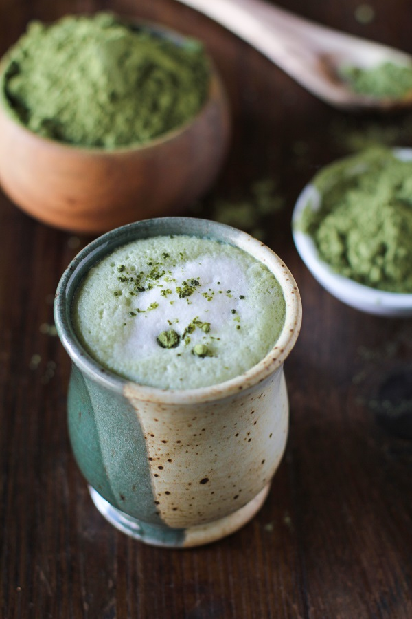 Green Tea Matcha Latte | dairy-free, naturally sweetened, and full of antioxidants! #vegan