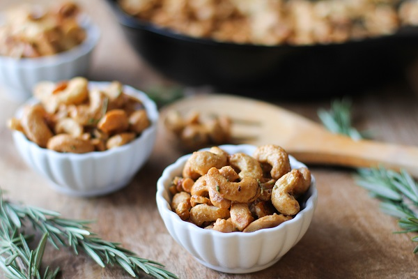 Maple and Rosemary Candied Cashews