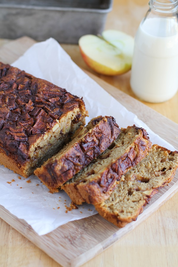 Gluten Free Apple Cinnamon Bread | naturally sweetened and healthy @bobsredmill