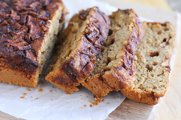 Gluten Free Apple Cinnamon Bread | naturally sweetened and healthy! @bobsredmill