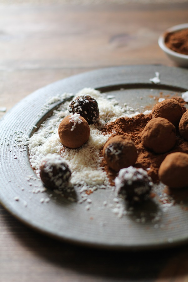 Rum Cardamom Fig Truffles - vegan, refined sugar-free, and easy to make in your food processor