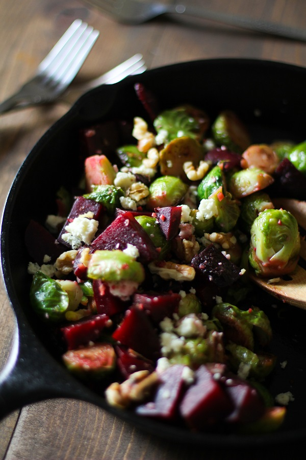 Honey-Glazed Brussels Sprouts and Beets with Blue Cheese and Walnuts #sidedish #recipe