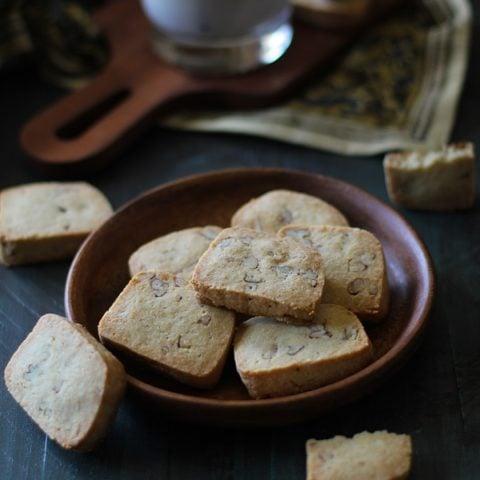 Maple Pecan Gluten Free Shortbread Cookies   grain- free, dairy-free. sugar-free #paleo @roastedroot