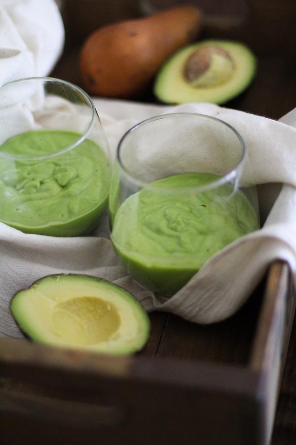 Pear Avocado Kale Smoothie #detox #greensmoothie #recipe