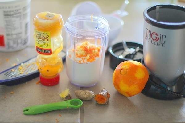 Orange Ginger Turmeric Lassi - full of antioxidants! #detoxsmoothie @roastedroot