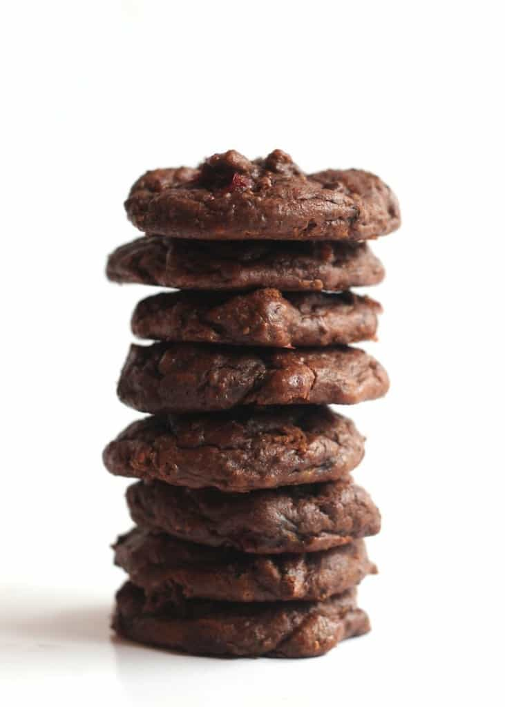 Cranberry Chocolate Chia Cookies from Hummusapien   gluten free, sugar free, paleo, vegan