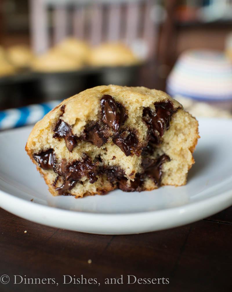 Gluten-Free Chocolate Chip Banana Muffins #healthy #breakfast #brunch