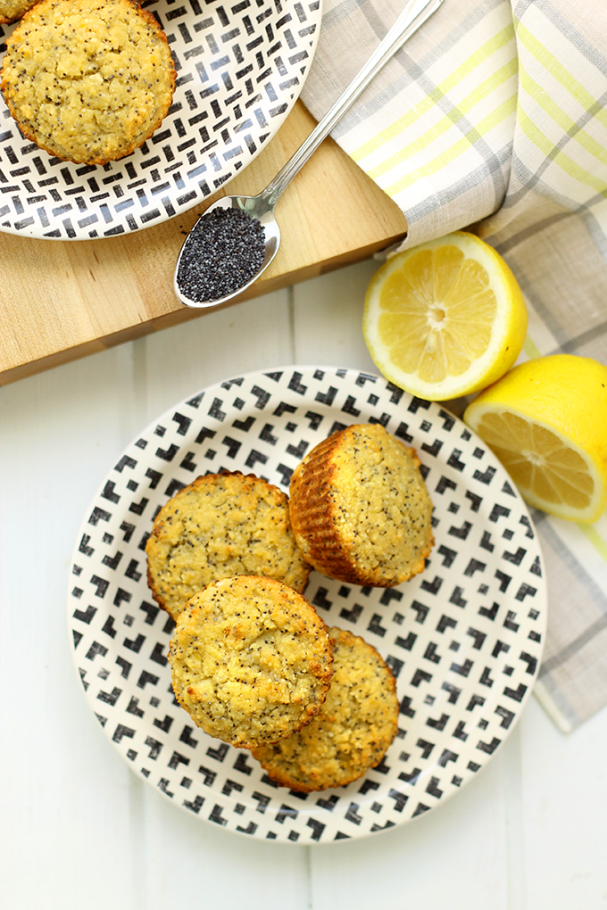 Paleo Lemon Poppyseed Muffins from The Healthy Maven #glutenfree #healthy #recipe #breakfast #brunch