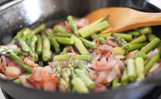 Bacon and Asparagus Frittata   theroastedroot.net #breakfast #brunch #recipe #paleo @roastedroot