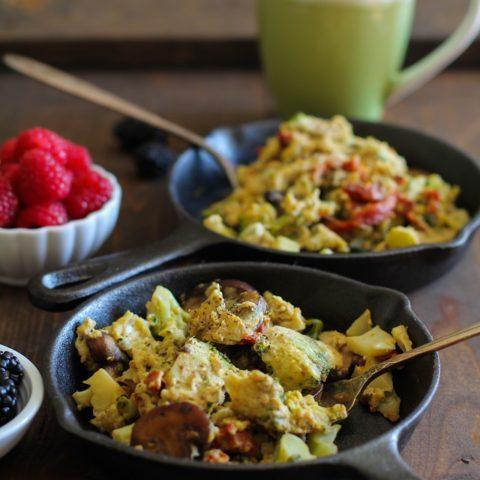 Broccoli, Mushroom, Sun-Dried Tomato Scramble - an easy and healthful breakfast recipe! | theroastedroot.net #vegetarian #brunch