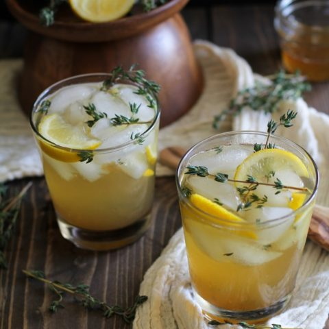 Lemon Thyme Bourbon Cocktails - naturally sweetened | TheRoastedRoot.net #drink #cocktail #whiskey #sugarfree #skinny