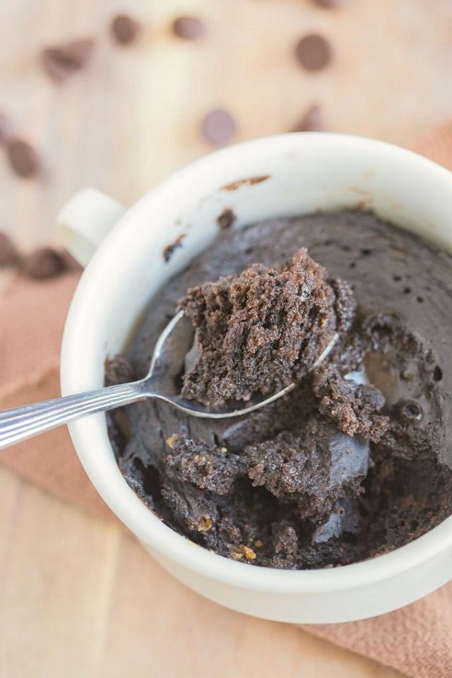One-Minute Flourless Chocolate Cake + 6 Healthy Zucchini Recipes #glutenfree