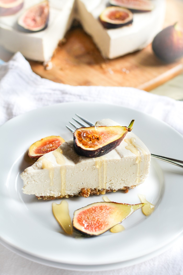 "No-Bake Vegan ""Cheesecake"" - dairy-free, refined sugar-free, and paleo 