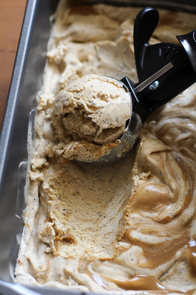 Dulce de Leche Coconut Milk Ice Cream - dairy-free, refined sugar-free, and paleo #caramel #dessert | TheRoastedRoot.net