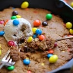 Flourless Peanut Butter Skillet Cookie - refined sugar-free, gluten-free, and relatively healthful! #dessert #recipe