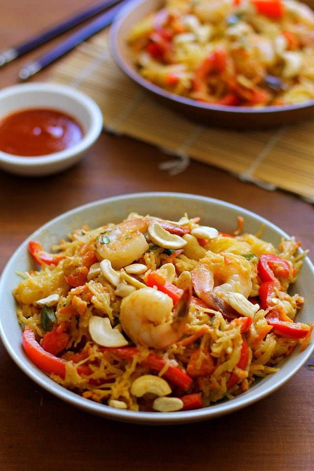 Spaghetti Squash Pad Thai with Cashew-Ginger Sauce - a healthy and easy gluten-free meal! #dinner #recipe #glutenfree #winter