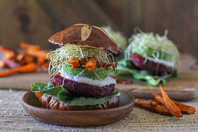 moroccan_spiced_Beet_burgers_with_herbed_goat_cheese_4.jpg