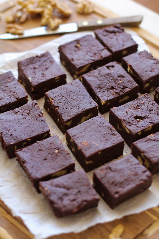Healthy Dark Chocolate Fudge with Beets and Walnuts - dairy-free, refined sugar-free, and healthy! | TheRoastedRoot.net #superfood #recipe #dessert