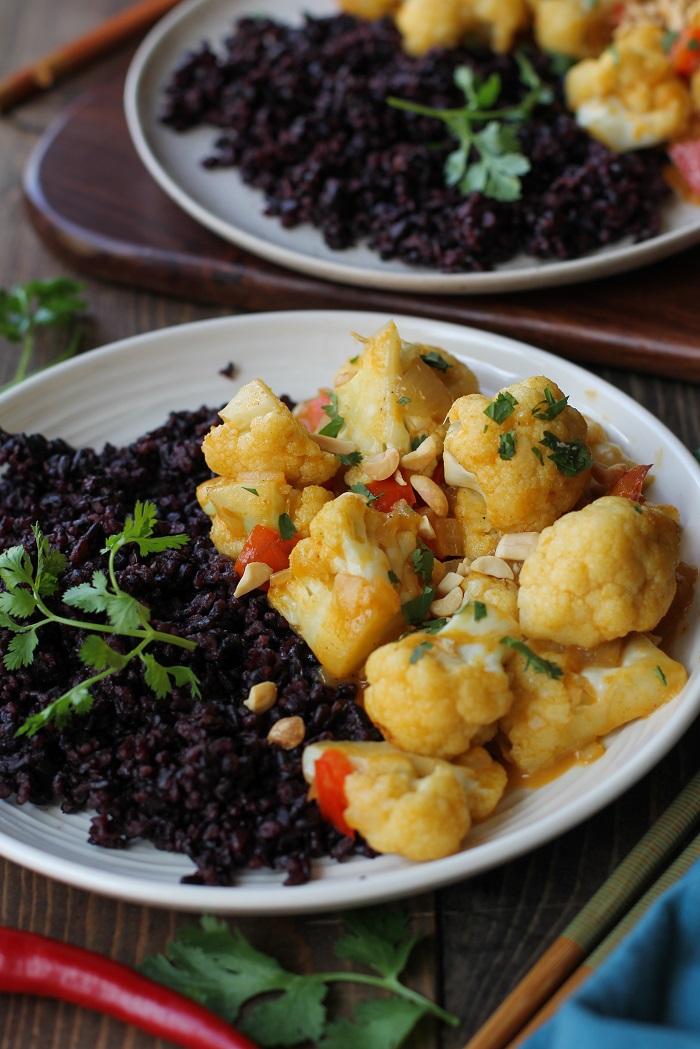 6-Ingredient 30-Minute Vegetarian Curry with cauliflower and bell pepper   TheRoastedRoot.net #healthy #vegetarian #recipe #vegan #meatlessmondays #30minutemeal