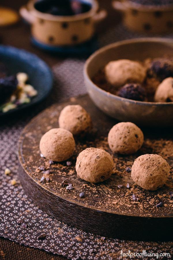 No-Cook Vegan Healthy Truffles #paleo #dessert