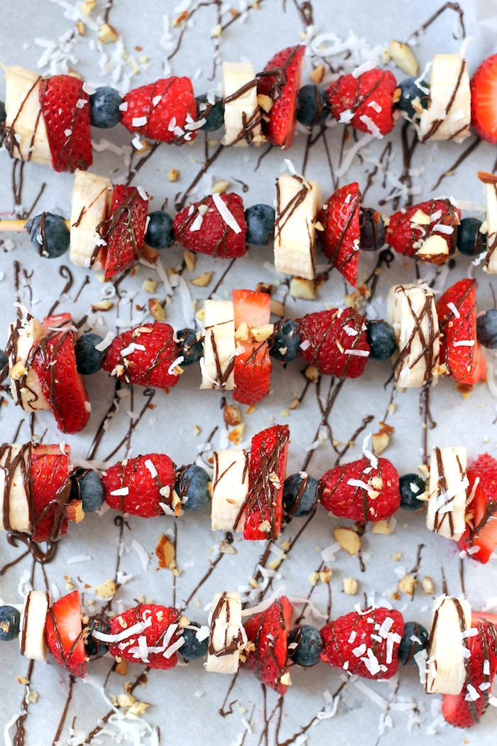Chocolate-Drizzled Fruit Kebabs + 6 Recipes for your 4th of July gathering!
