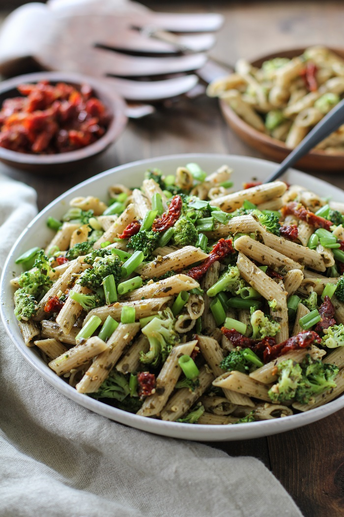 Pesto pasta with sundried tomatoes and roasted asparagus for Dry roasted tomatoes