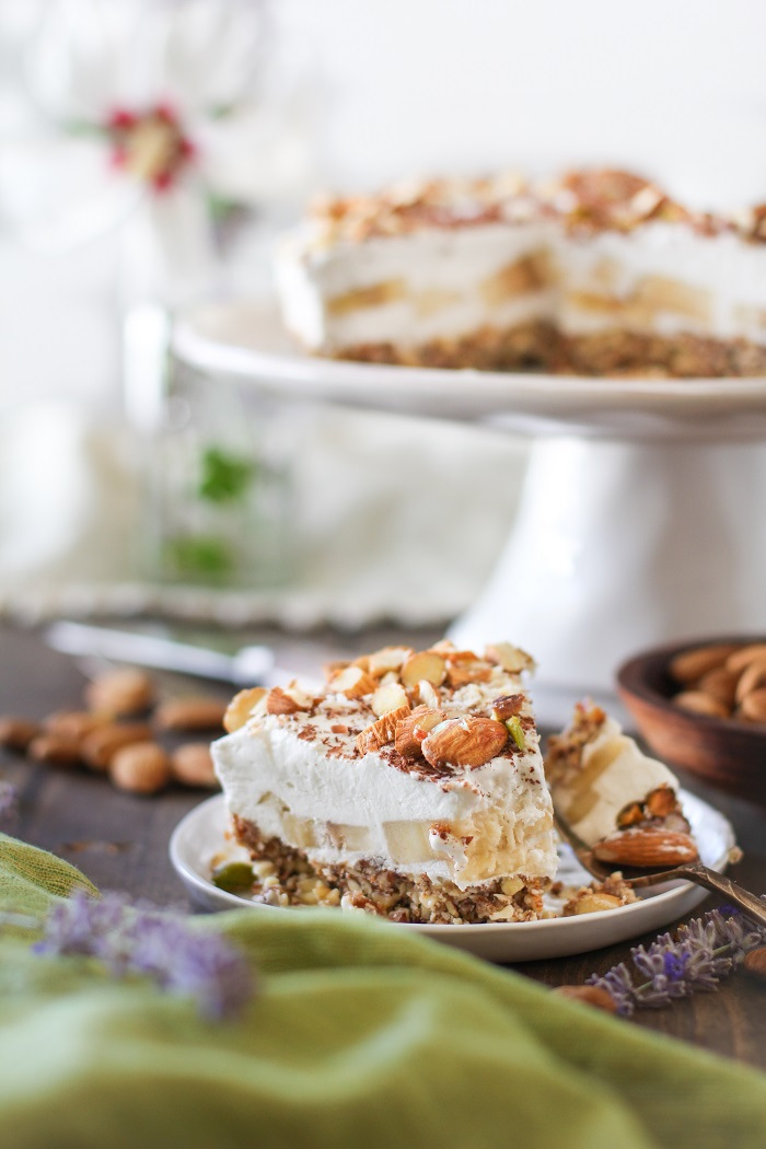 No Bake Vegan Banana Cream Pie | TheRoastedRoot.net #glutenfree #healthy #dessert #recipe #dairyfree #sugarfree